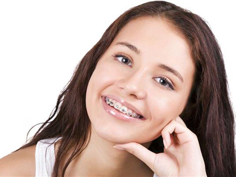 Offerta dentista apparecchio fisso e mobile - Promozione riallineare i denti Reggio Emilia