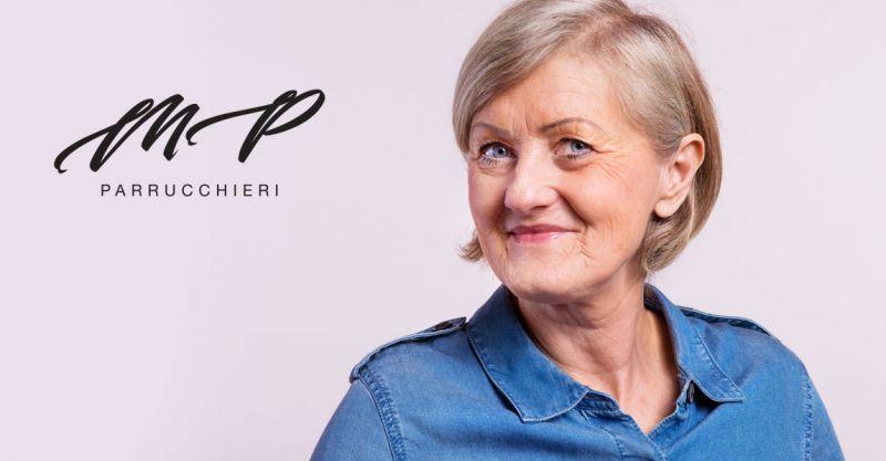 offerta parrucchiere clienti over 70 - promozione taglio piega colore per settantenni