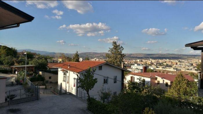 Immobiliare Sannio propone in vendita soluzione indipendente a Benevento.