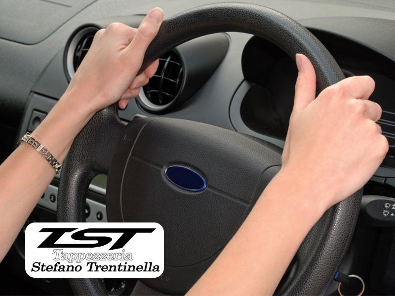 Tappezzeria Trentinella Stefano - Offerta Riparazione Volante Auto - Promozione Pomello
