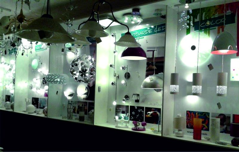 Riparazione e creazione lampadari: Dama Luce - Marotta