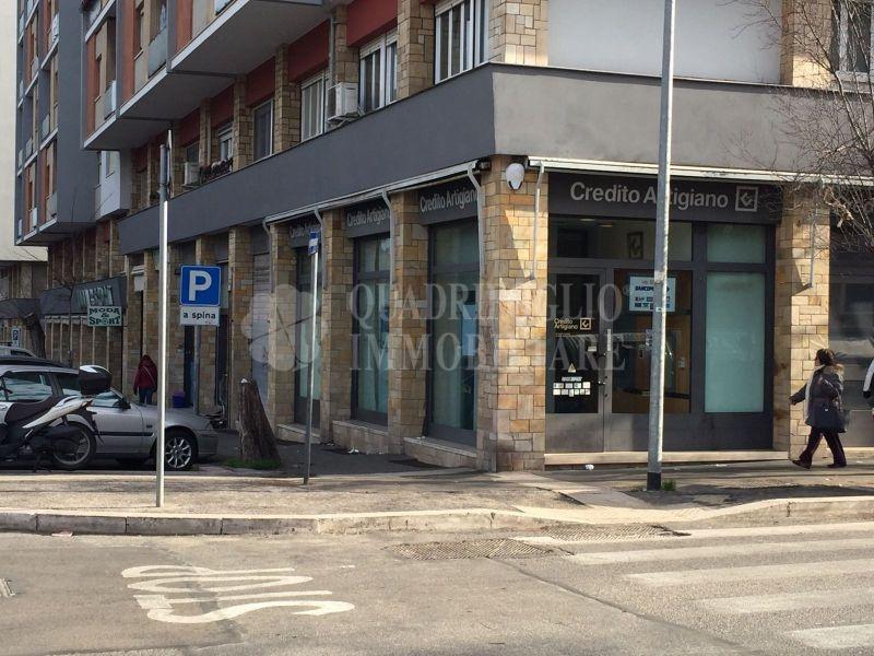 Offerta vendita locale commerciale Montagnola - occasione negozio in vendita Via Vedana Roma