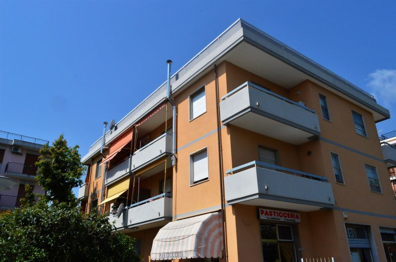 offerta vendita 5 locali pentalocale posto auto - ampia metratura via pinee pietra ligure