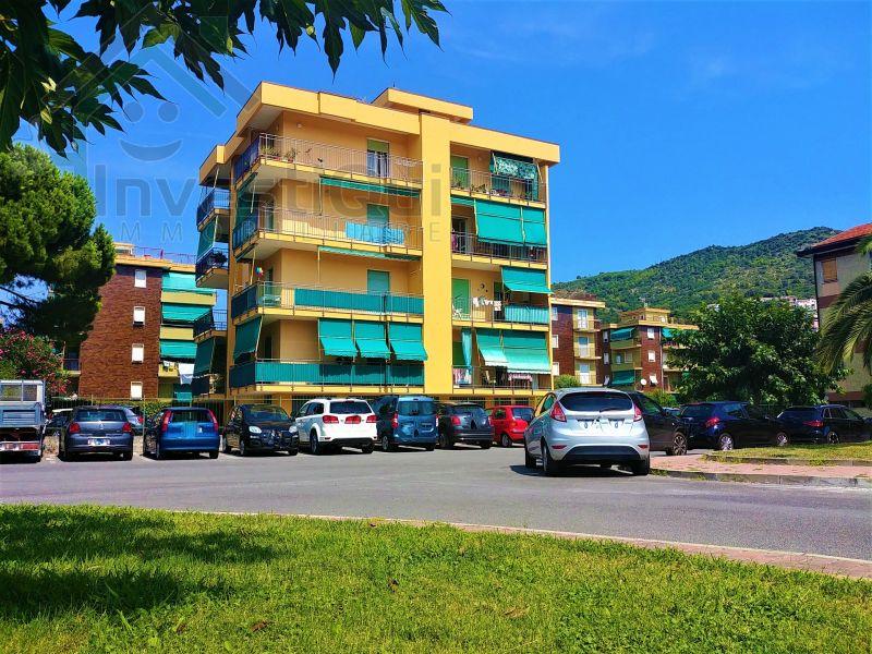 offerta vendita bilocale - occasione pietra ligure piazza nino bixio - terrazzo box auto