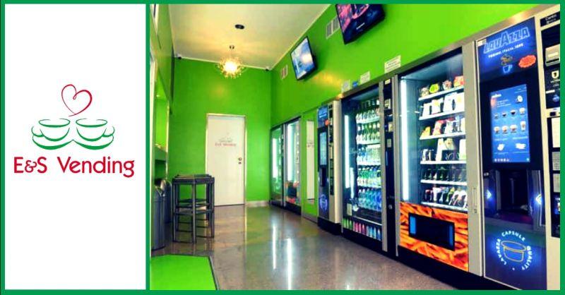 Occasione progettazione e realizzazione distributori automatici in franchising h 24