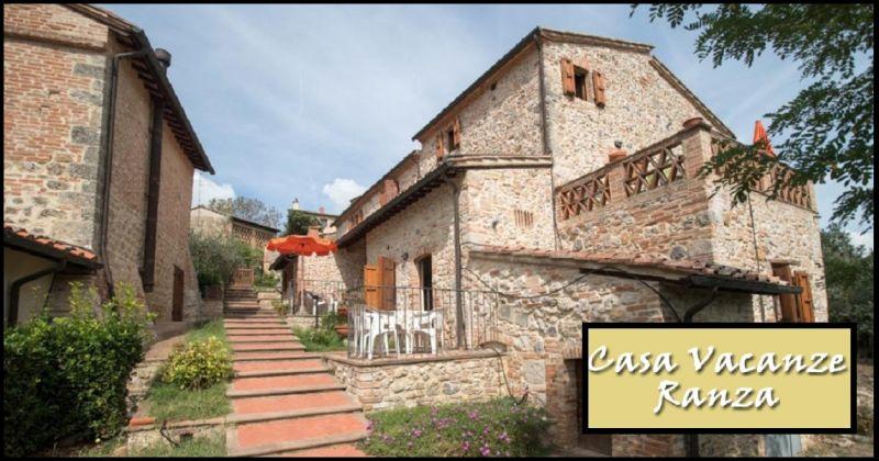 Casa Vacanze Ranza est un beau village dans la campagne toscane, sur les collines de San Gimignano