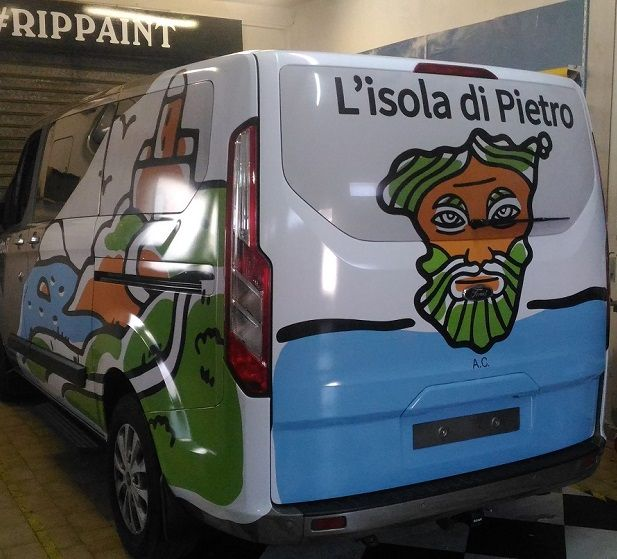 Decorazione e Wrapping aziendale dell ufficio Marketing e Furgone Ford Tournero l'Isola di pietro
